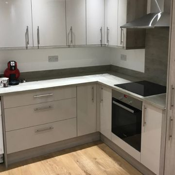 Stone Heat Ltd - Kitchens - Loughton