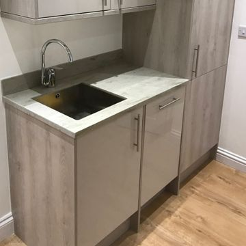 Stone Heat Ltd - Kitchens - Modern Kitchen Unit- Loughton