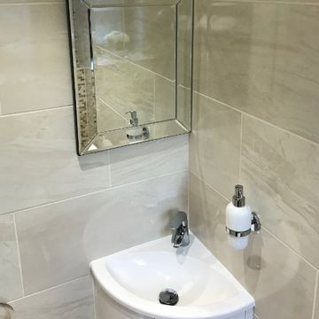 Stone Heat Ltd - Bathrooms - cloak room mirror and sink - Loughton